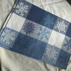 Snow flakes place mats